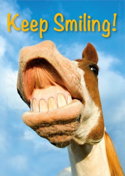 Postkarte Grußkarte witziges Pferd zeigt Zähne 'Keep smiling'
