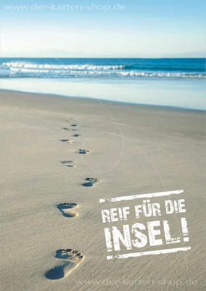 Postkarte Grußkarte Spuren am Strand 'Reif für die Insel!'